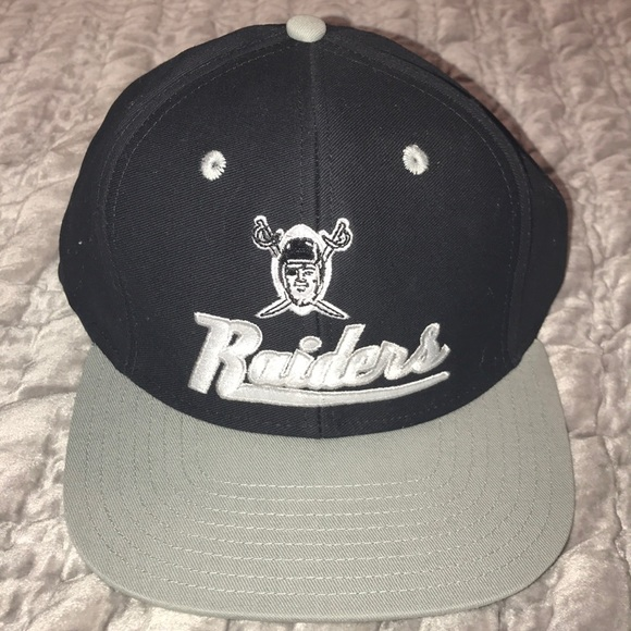 Raiders Vintage Collection Reebok Snapback Hat. M 5a9e3c5ca4c4859ef2ff2c49 75b55f90c